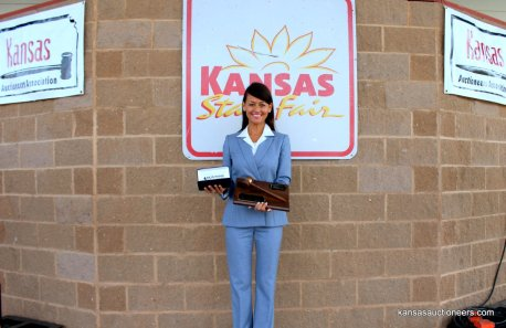 2016 Kansas Auctioneer Champion - Yve Rojas