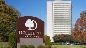 Welcome to the DoubleTree by Hilton Kansas City - Overland Park