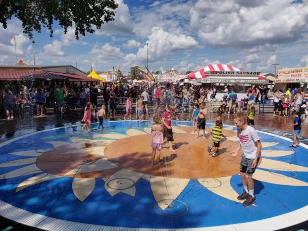 Kansas City Fall Festivals - kids playing in fountain at Kansas City State Fair