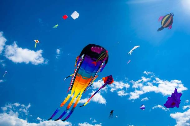 Kansas City spring festivals - kites flying