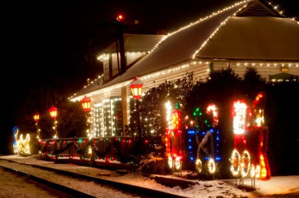 Polar Express, Santa Trains and Christmas Train Rides in Kansas