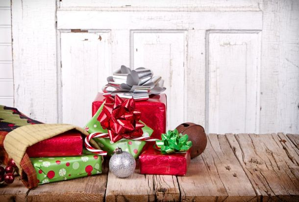 Kansas City Holiday Markets, Bazaars and Craft Fairs - stocking with presents