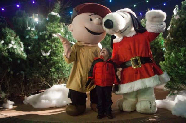 Worlds of Fun Winterfest - Charlie Brown and Snoopy in the tree lot