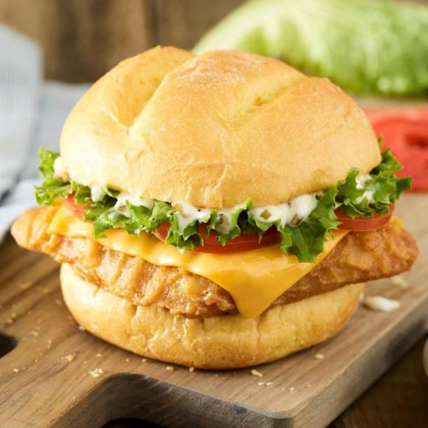 Kansas City restaurant deals - Smashburger fish sandwich