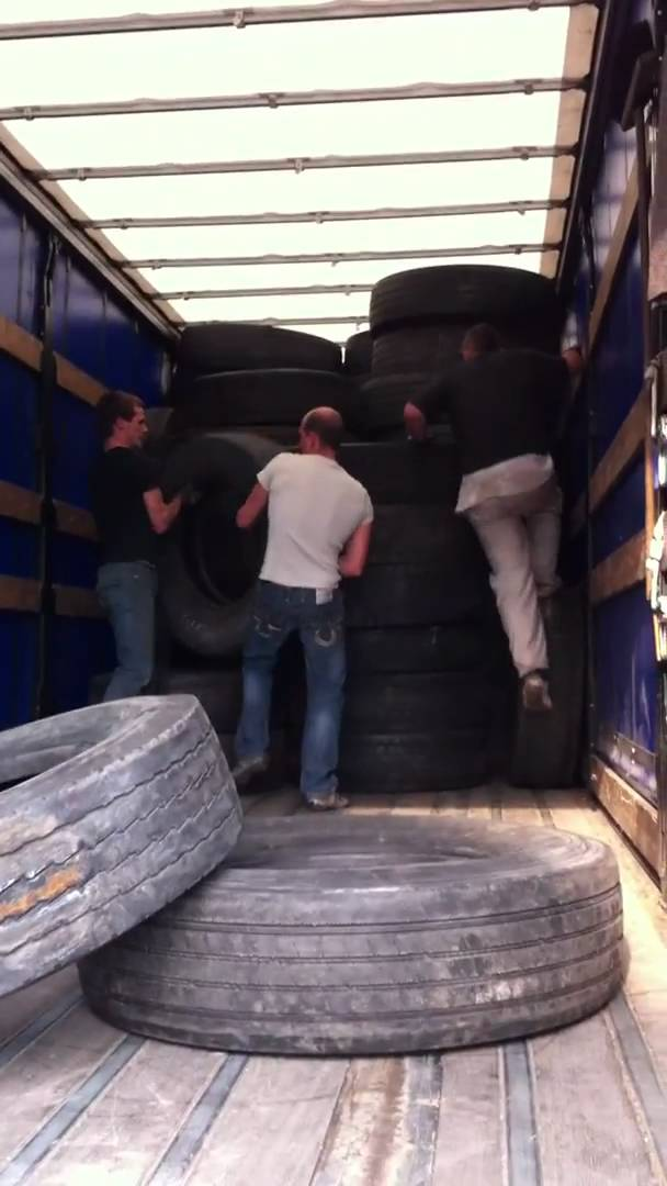 Loading Used Truck Tyres Tires @ Apeldoorn Holland