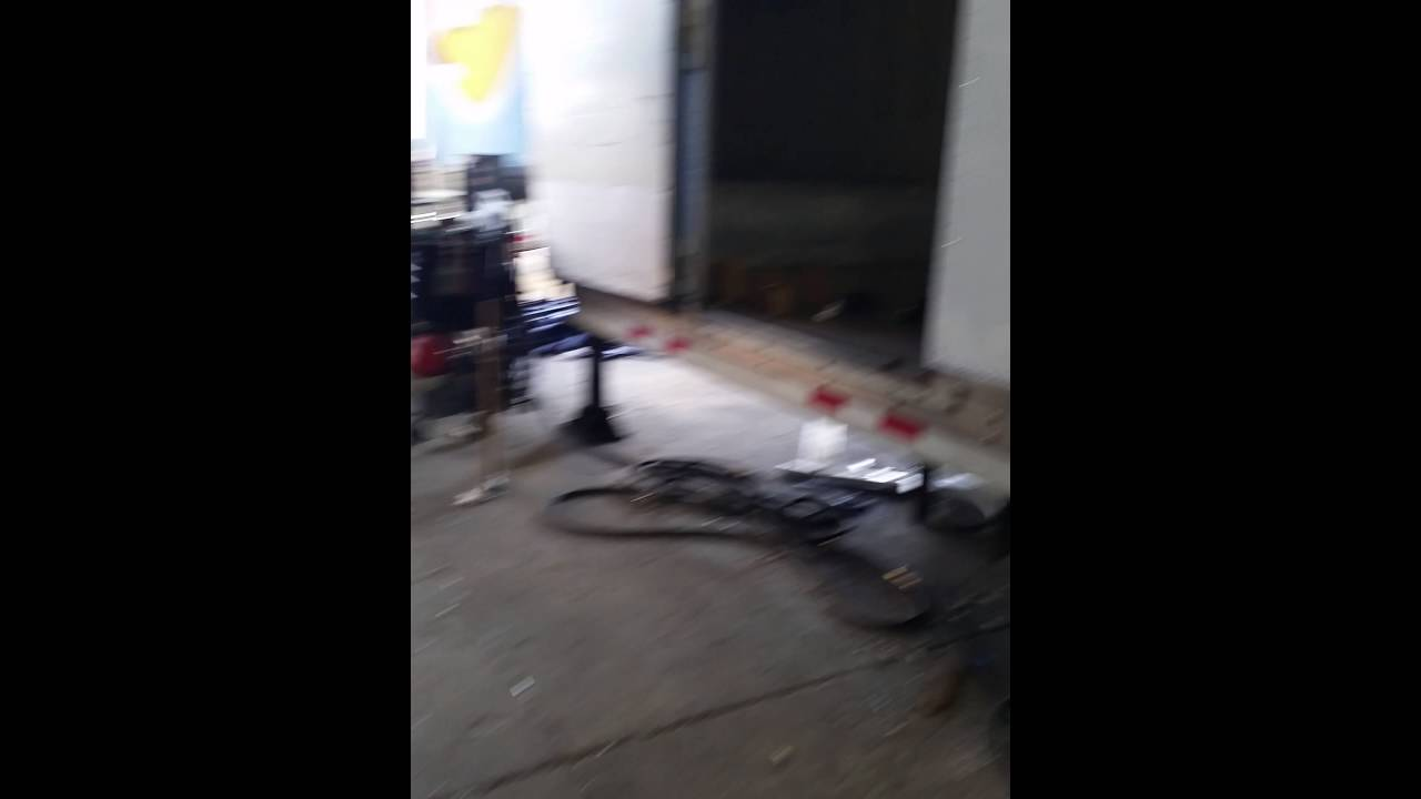 Semi-trailer trailer repair buck riveting aluminum panels