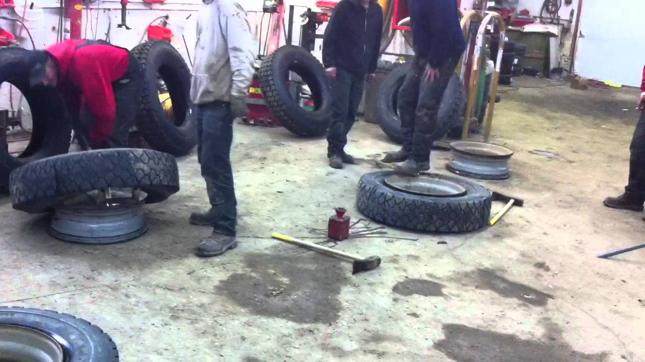 Epic fail ..... trying to change semi tires !