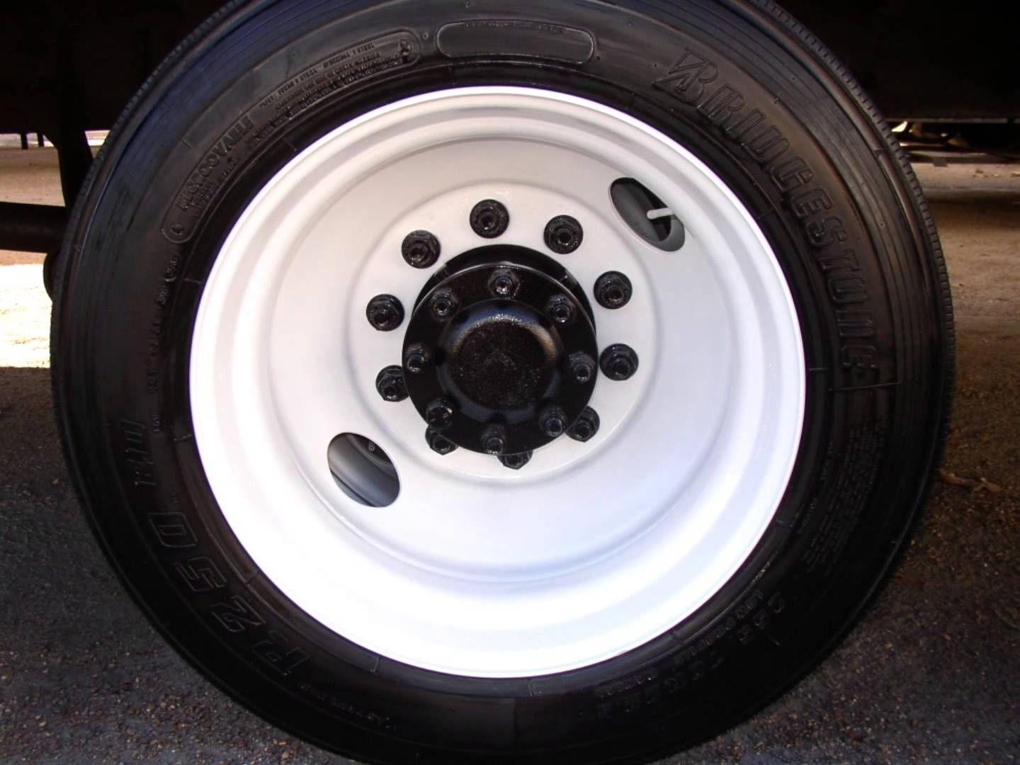 Painting Truck Bus & Trailer Wheels with Tire Mask