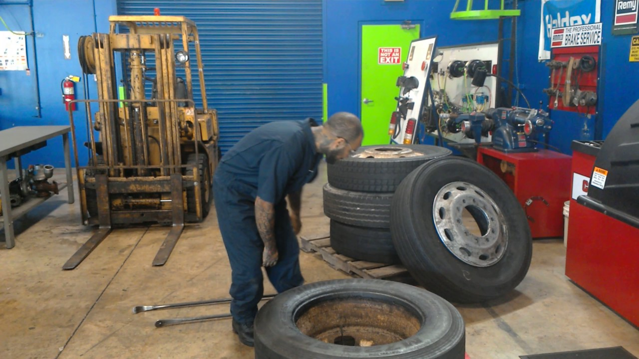 How to Dismount and Remount  Semi Truck tires