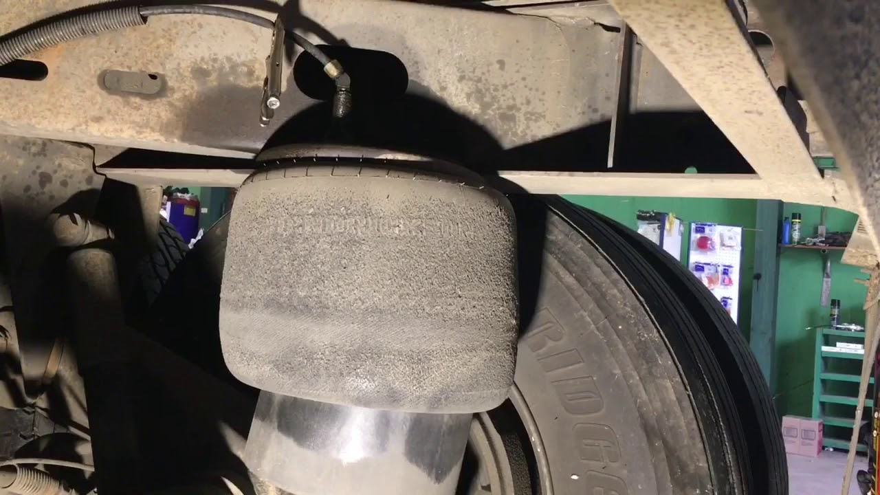 How To Replace An Air Bag On A Trailer
