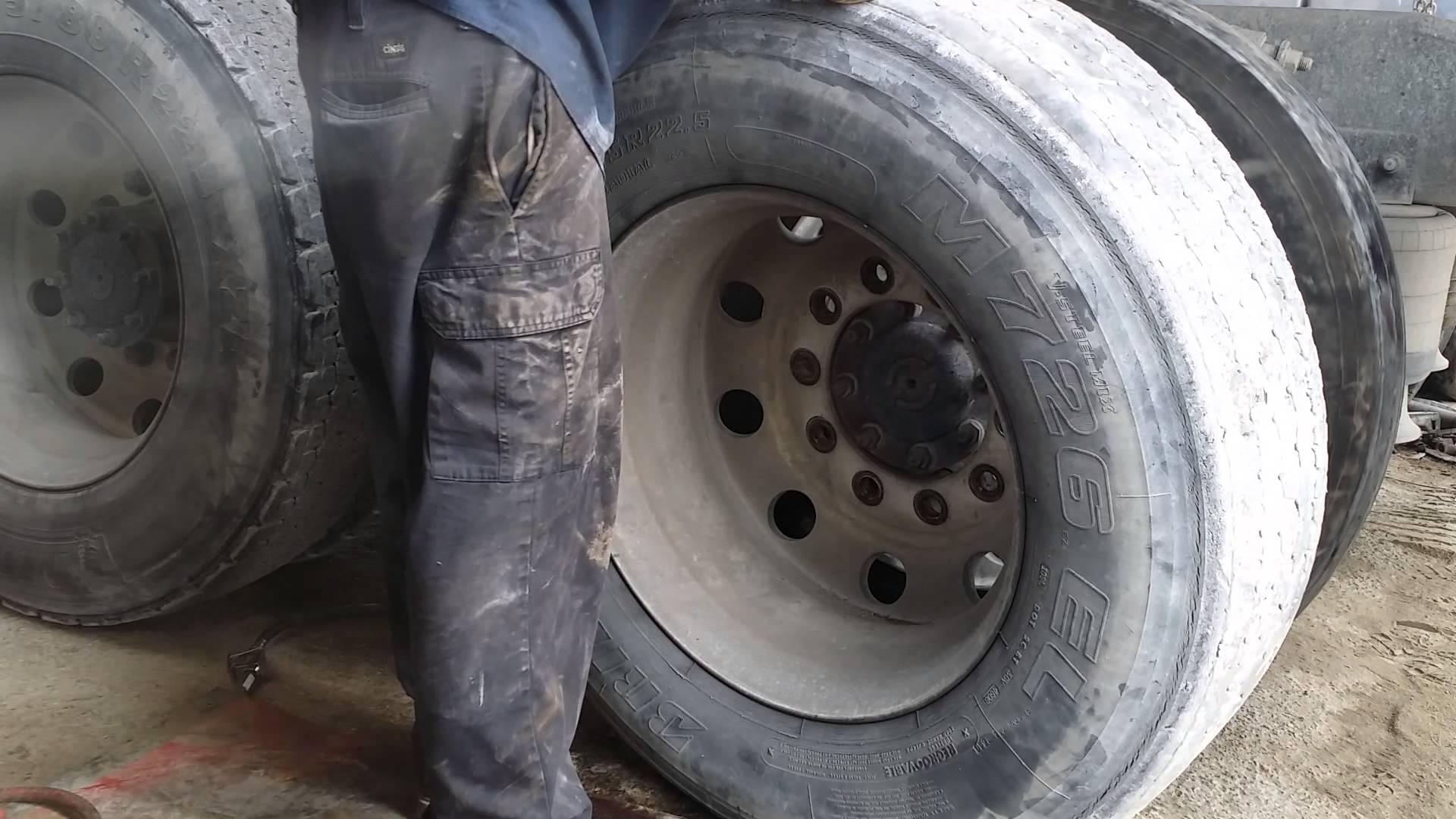mouning tires on 18 wheeler big rig