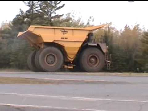 Two lanes wide, tires 13' tall, Caterpillar 793c, now thats a truck!!!!