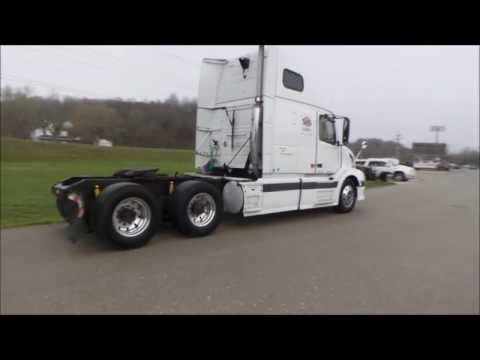2006 Volvo VNL semi truck for sale | no-reserve Internet auction May 4, 2017