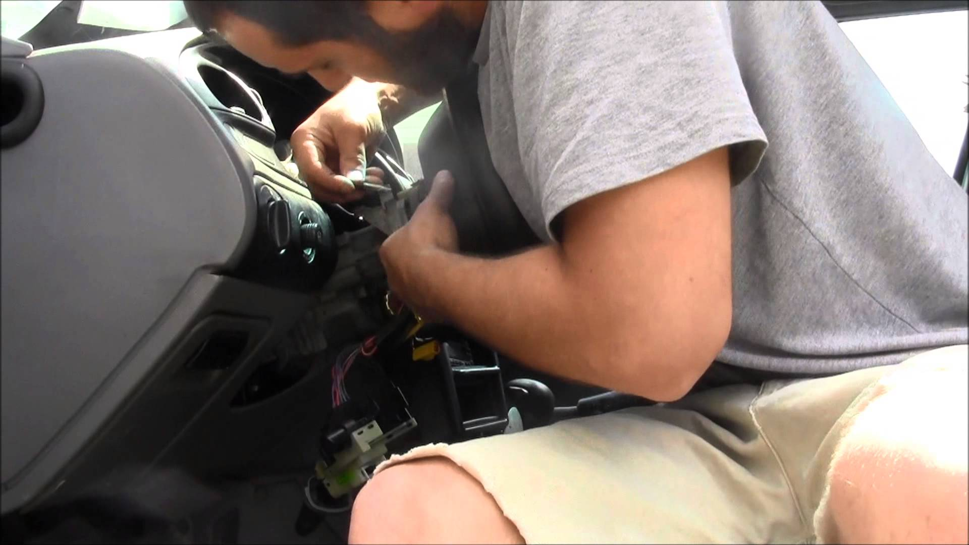 How to Replace an Airbag on a Vehicle