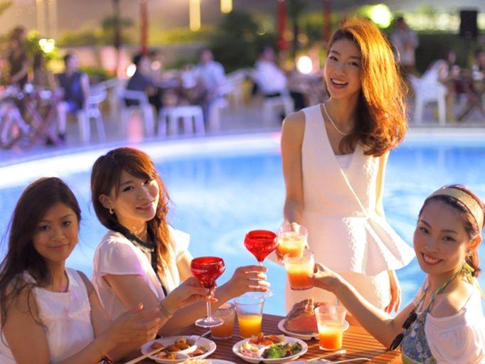 女子が集う東京都内のナイトプールナンパが熱い!!高級ホテルのプールで夏を満喫♪