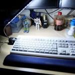 真っ暗な部屋でのキーボードライトに「LEDライト USB-TOY59/サンワ」レビュー