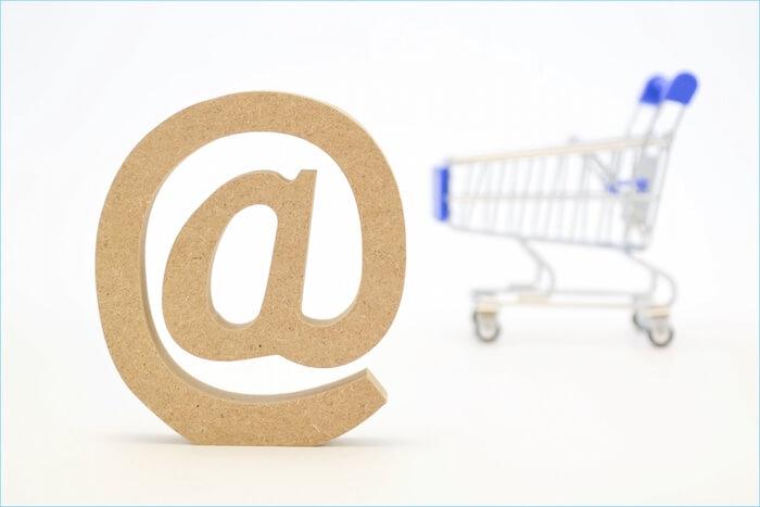 アットマークとショッピングカートの画像