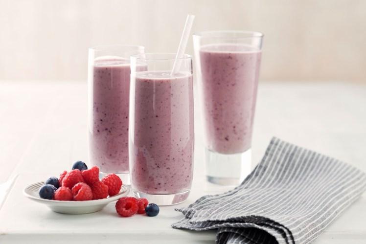 avocado-berry-power-smoothie-89171-1