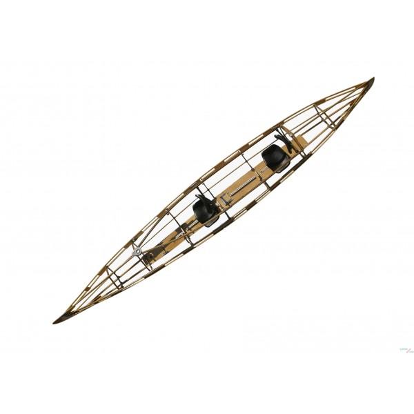Das Gerüst eines Faltboot Kajak.