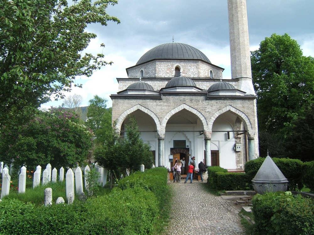 Cara Menanamkan Adab di Masjid Pada Anak