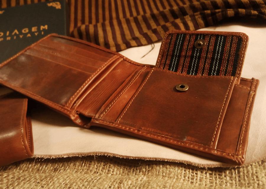 kado dompet kulit batik unik dan eksklusif