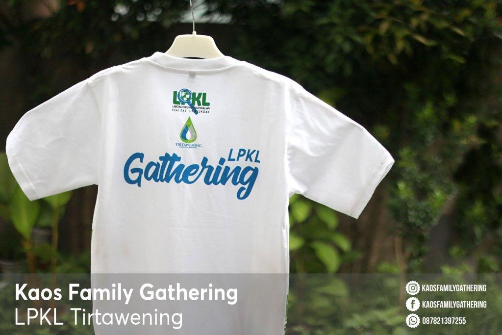 Desain Kaos Family Gathering Wisata Pantai