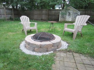 All done! I took the old rusted firepit and placed it in the middle.
