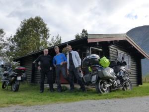 Vor der 3-Biker-Hütte: Frank, Ansgar & Gerard