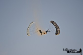 Skydivers perfroming stunts