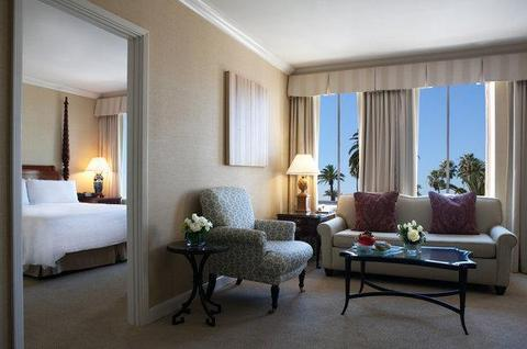 2241284-The-Fairmont-Miramar-Hotel-Santa-Monica-Guest-Room-1-DEF