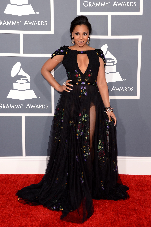 161379377 LIVE On The Red Carpet: Rihanna, Justin Timberlake, Kimbra & Carly Rae Jepsen
