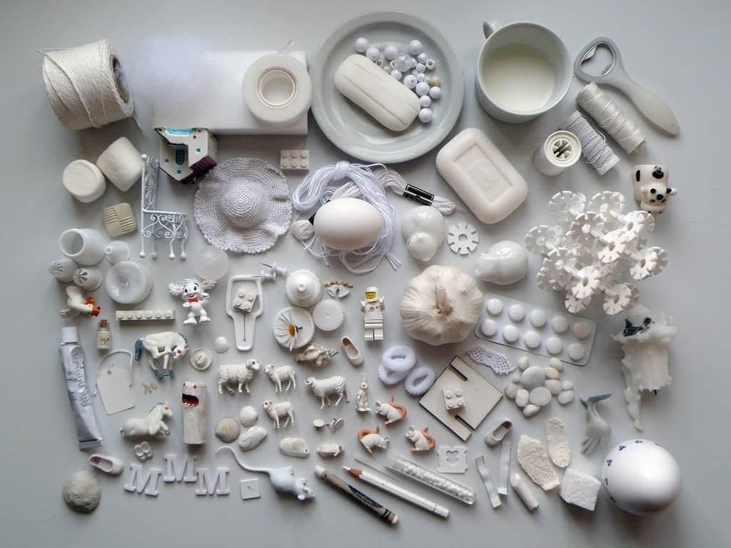 lots of objects