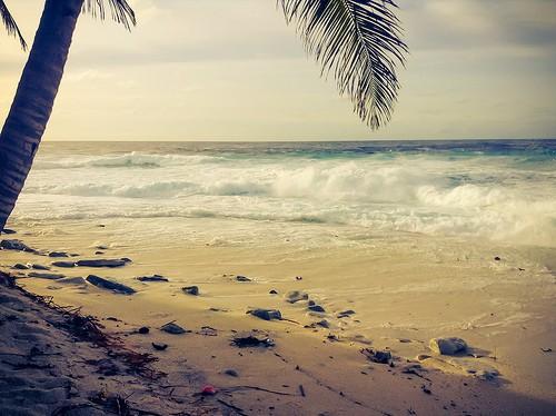 9354966897_45f8fe0588_beach