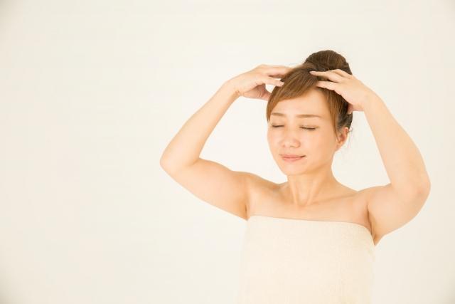 これってストレスが原因?髪が茶色になる原因と対処法