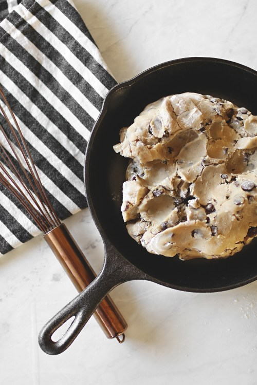 A dessert called Pazookie. An easy family recipe and one that is sure to become everyone's favorite! Catch the recipe over at Haus of Layne #Recipe #Dessert