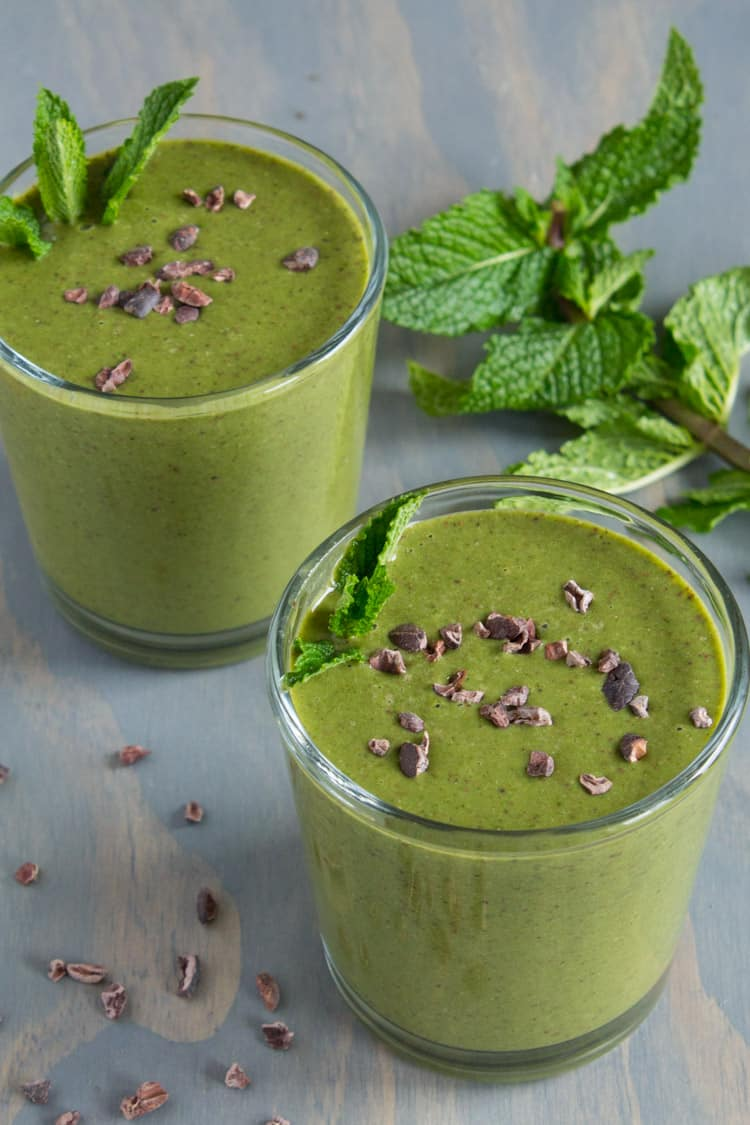 Superfood Shamrock Smoothie | @TheFoodieDietitian