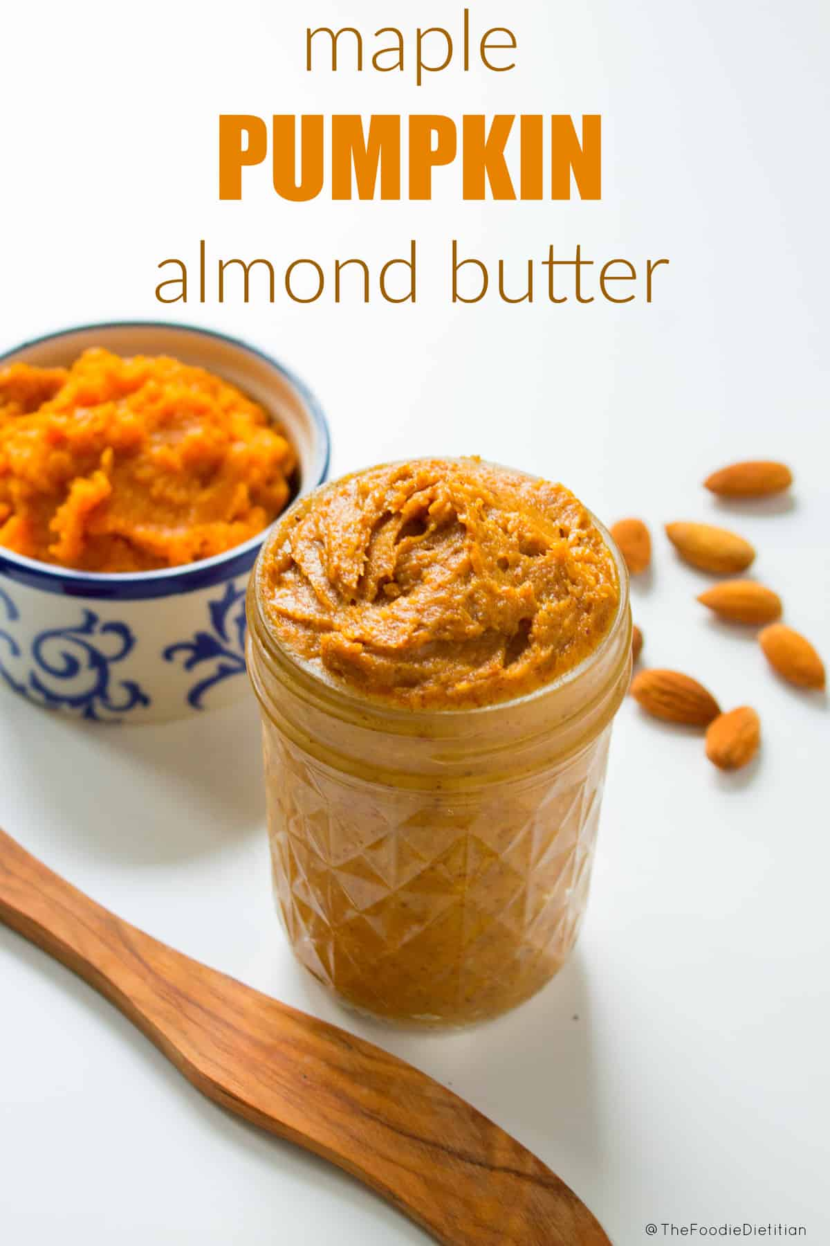 Maple pumpkin almond butter is the ultimate fall spread - requires only a handful of ingredients and it takes less than five minutes to make. Spread this nut butter onto all the fall things.