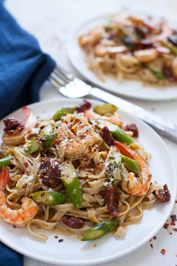 Easy Shrimp Pesto Pasta with Asparagus