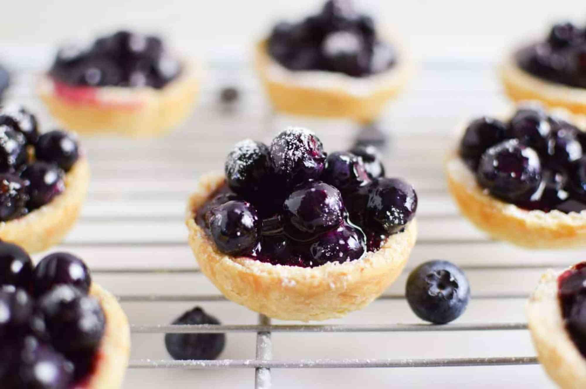 Mini-Vegan-Blueberry-Pies_H2
