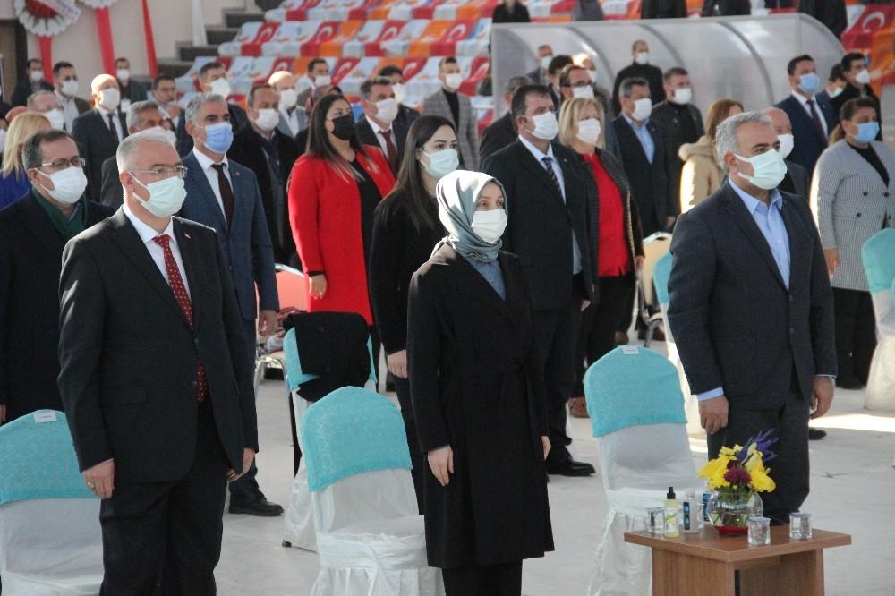 """Usta: """"Bütün dünyanın gözü AK Parti'de ve Türkiye'dedir"""""""