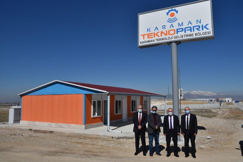 Rektör Ak, Karaman Teknopark'ta incelemelerde bulundu