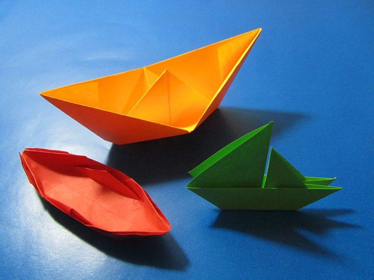 Как сделать кораблик из бумаги? Инструкция складывания бумажного кораблика своими руками этап 4