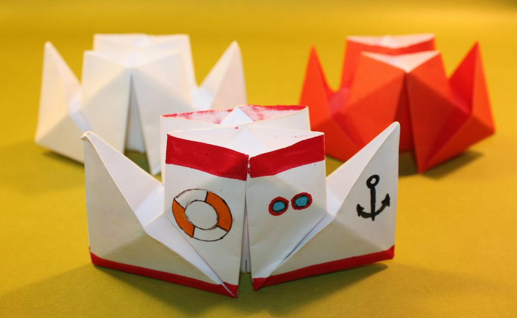 How to make a boat from paper? Instruction folding paper boat do it yourself stage 7