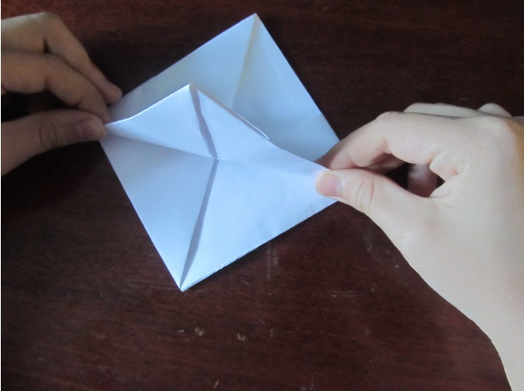 How to make a boat from paper? Instruction folding paper boat do it yourself stage 19