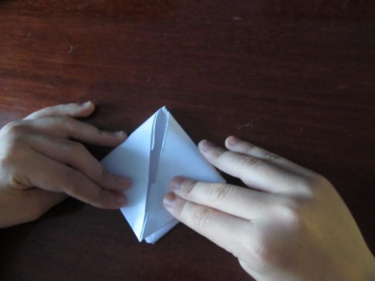 Hoe maak je een boot van papier? Instructie opvouwbare papierboot Doe het zelf stap 24