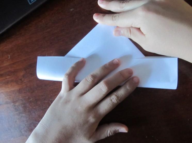 Hoe maak je een boot van papier? Instructies voor opvouwbare papierboot Doe het zelf stap 12