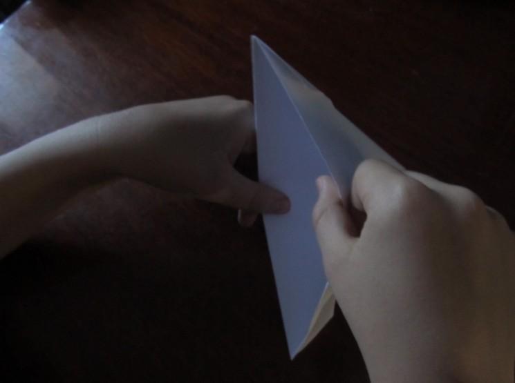 Как сделать кораблик из бумаги? Инструкция складывания бумажного кораблика своими руками этап 17