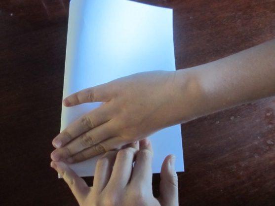 Как сделать кораблик из бумаги? Инструкция складывания бумажного кораблика своими руками этап 9