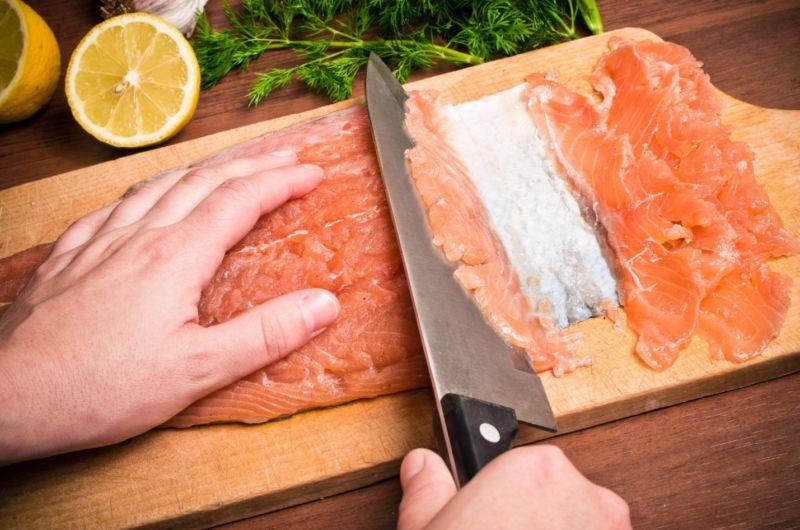 कम नमकीन सामन & # 8212; 7 होम स्टेज 14 पर सैल्मन व्यंजनों को हल करना