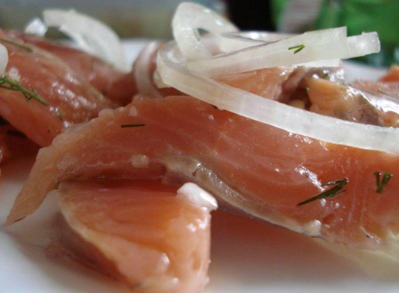 कम नमकीन सामन & # 8212; 7 होम स्टेज 11 में सैल्मन व्यंजनों को हल करना